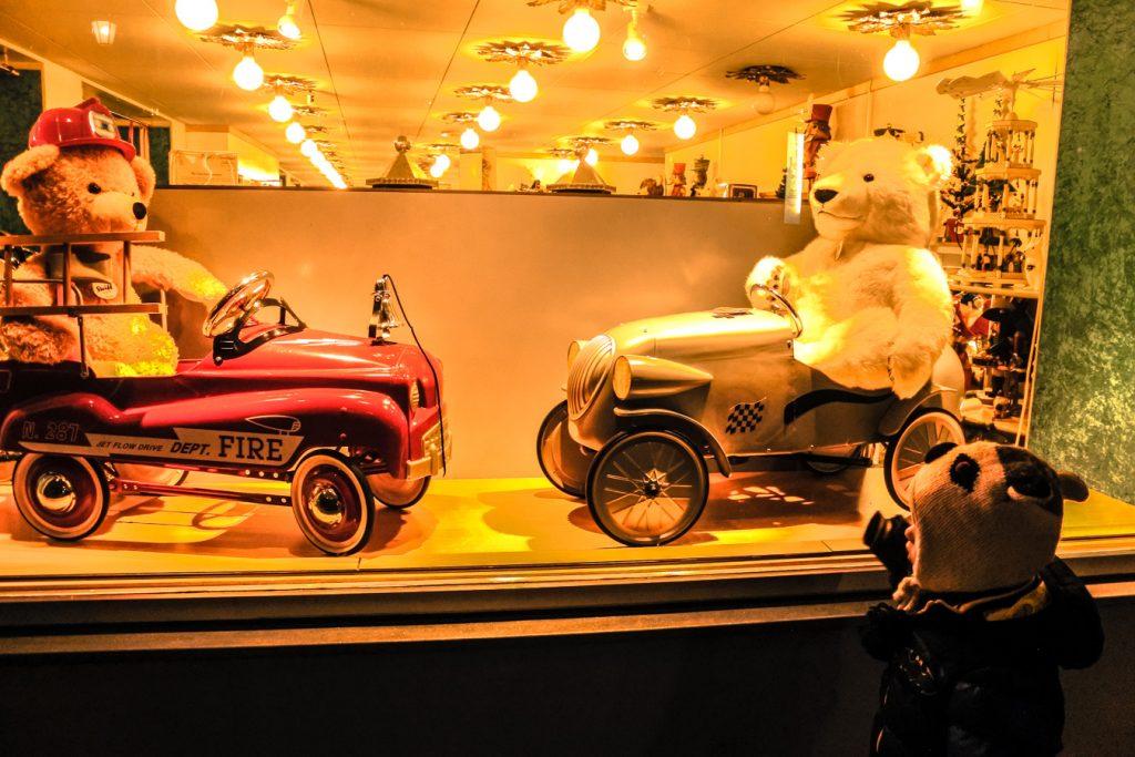 sklep z zabawkami retro