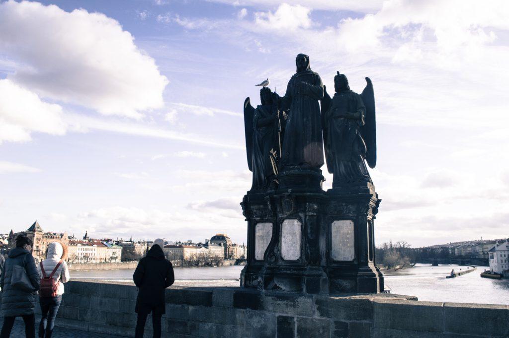 posąg na moście Karola