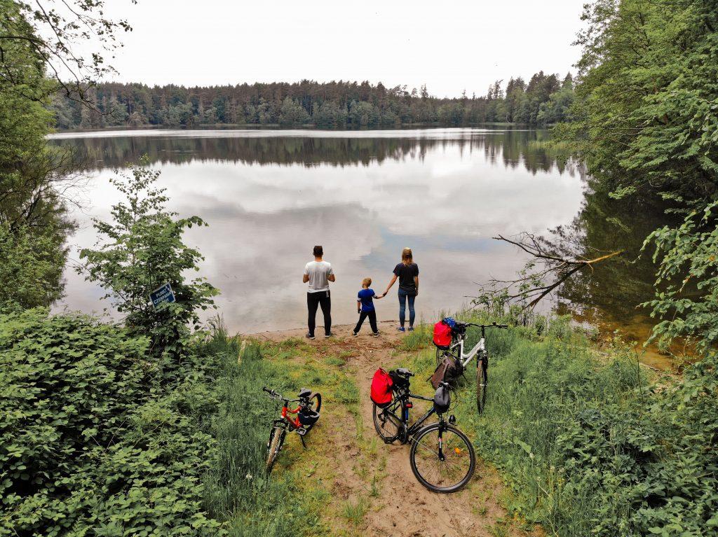 rowerami dookoła Jezioraka